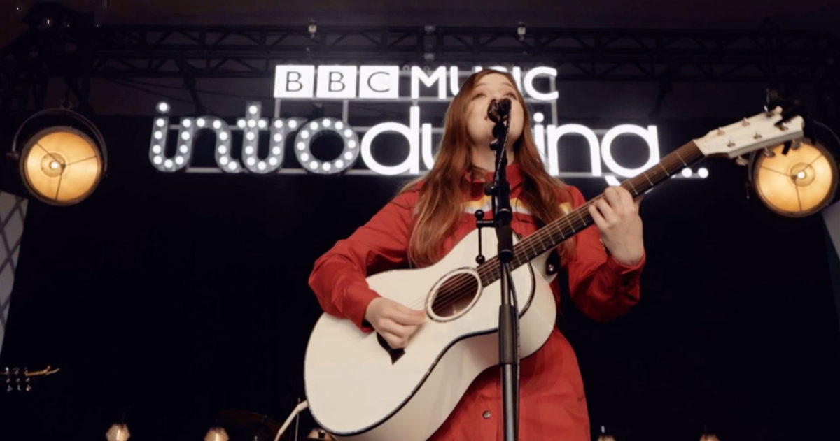 How to become a singer-songwriter: Jade's story